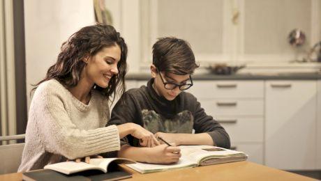 Ce înseamnă analfabet funcțional? Câți analfabeți funcționali are România?