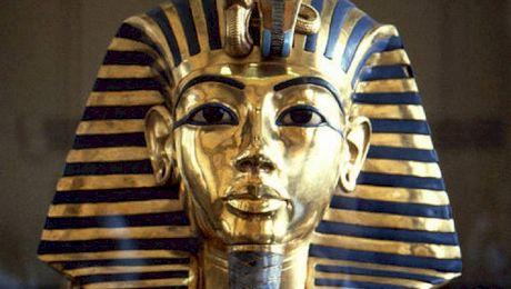 Cum a fost descoperit mormântul lui Tutankamon? Cum a murit Tutankamon?