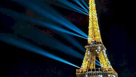 """De ce Paris este numit """"Orașul luminii""""? De unde vine numele de Paris?"""