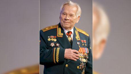 Care e povestea lui Mihail Kalaşnikov? Cum a inventat arma secolului al XX-lea?