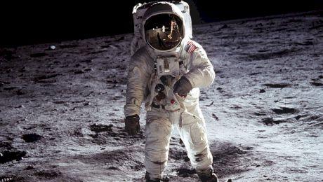 Cine a fost primul om care a ajuns pe lună? Cât timp a stat acolo?