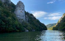 De ce locul unde Dunărea face defileu se numește La Cazane?