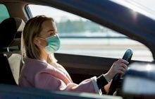 Este obligatoriu să porți masca în mașină?