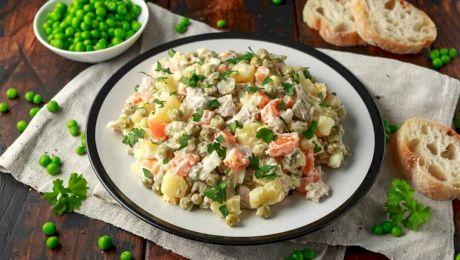 Care este diferența dintre salata de boeuf și salata à la rousse?