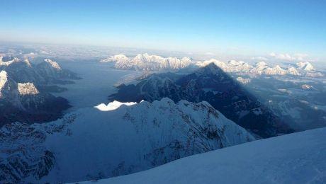 E adevărat că muntele Everest e mai înalt decât la ultima măsurătoare?