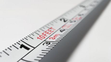 """Câți metri înseamnă un feet? De ce americanii măsoară în """"feet"""", adică """"picioare""""?"""