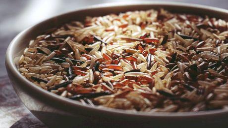 De ce se pun boabe de orez în sare? La ce poți să folosești orezul?