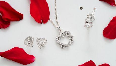 Cu ce se curăță bijuteriile din argint? Ce metode se folosesc?