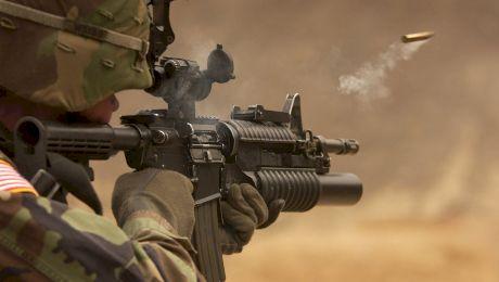 E adevărat că un general își conducea trupele gol pușcă?