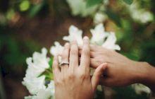 Pe ce mână se poartă inelul de logodnă? Cum se poartă în lume?