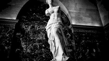 De ce statuia Venus din Milo nu are brațe?