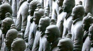 Armata de Teracotă a Chinei, îngropată într-un mormânt. Care este povestea acestei armate?