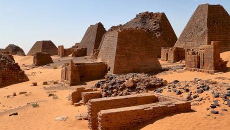 Care este țara cu mai multe piramide antice decât Egiptul?