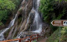 De ce este Cascada Clocota una dintre cele mai spectaculoase din România?