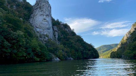 Este adevărat că Dunărea nu a fost tot timpul navigabilă și oamenii care veneau cu vaporul mergeau și pe jos?