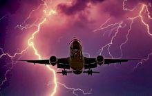Cum arată ploaia văzută din avion? Cum arată ploaia noaptea?