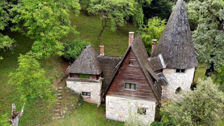 Care e povestea Castelului Ciorii? Unde se află Castelul Ciorii?