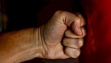 Ce forță are un pugilist în braț? Ce putere are în braț o persoană normală?