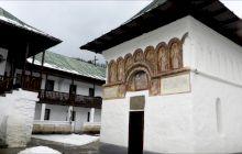 Care este cea mai izolată mănăstire din România?