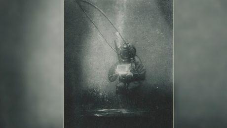 E adevărat că un român apare în prima fotografie subacvatică din istorie?