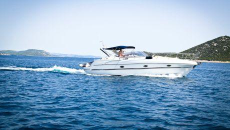 Ai nevoie de permis pentru a conduce o barcă? Ce trebuie să știi?