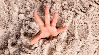 Este adevărat că există nisipuri mișcătoare care înghit oameni?