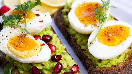 De ce nu este indicat să mănânci ouă seara? Ce spun specialiștii?