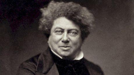 E adevărat că lui Alexandre Dumas i-au căzut pantalonii în primul duel?