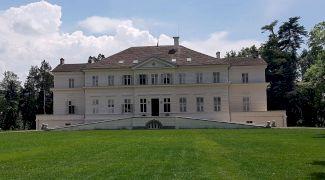 Care este povestea castelului regal de la Săvârșin? Când a fost construit?