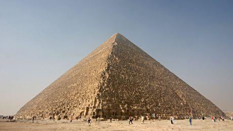 Cum arătau piramidele din Egipt când au fost construite?