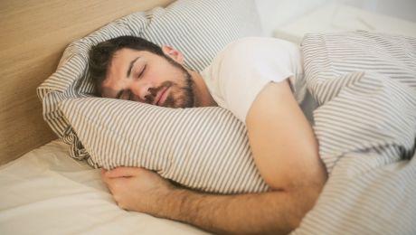 Ce s-ar întâmpla dacă nu am mai dormi? De ce este important somnul?