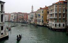 Cum au fost construite casele din Veneția? De ce nu se scufundă?