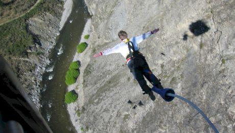 5 locuri spectaculoase unde să faci bungee jumping