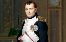 De ce în multe picturi Napoleon ține mâinile în buzunare?