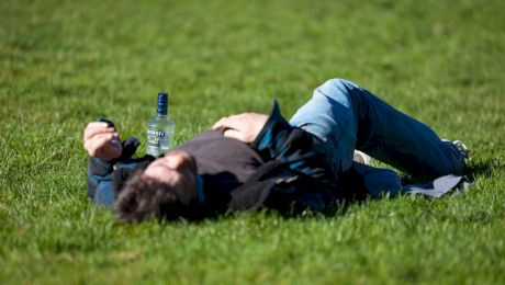 De ce beau rușii atât de mult alcool? Care este explicația?