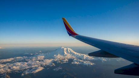 De ce nu zboară avioanele peste Muntele Everest?