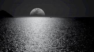 Curiozități despre Lună. Cum s-a format satelitul natural al Pământului?